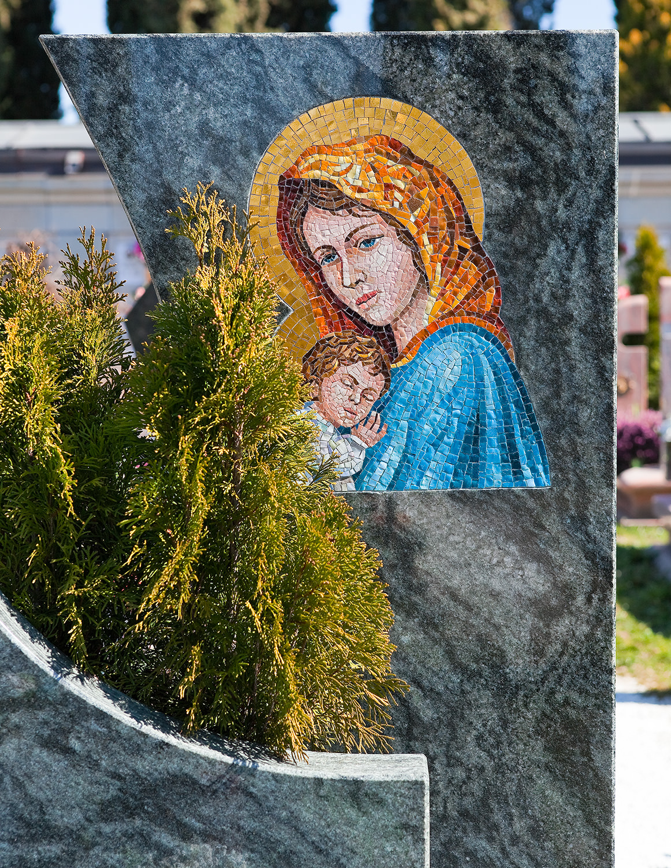 Arte_funeraria_lapidi_marmo_udine_friuli_09