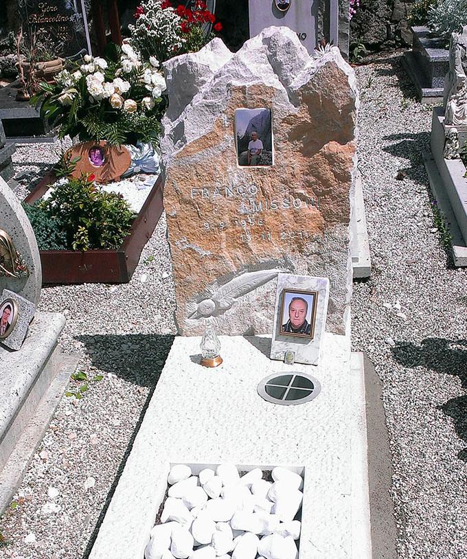 Monumento Funebre – 02