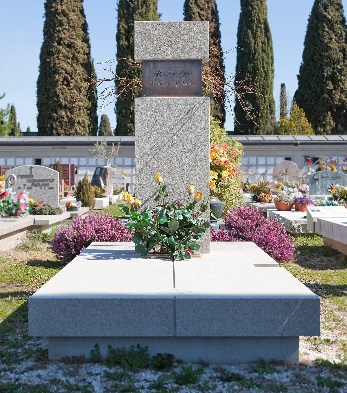 Arte_funeraria_lapidi_marmo_udine_friuli_08